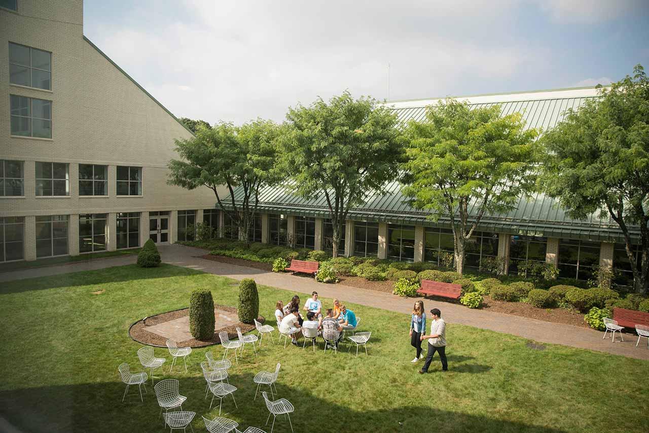 Academy-New-York-garden