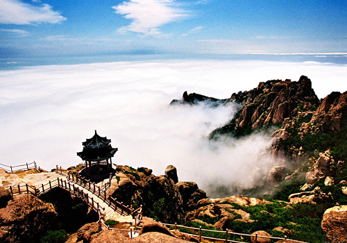 Laoshan Mountains in the clouds